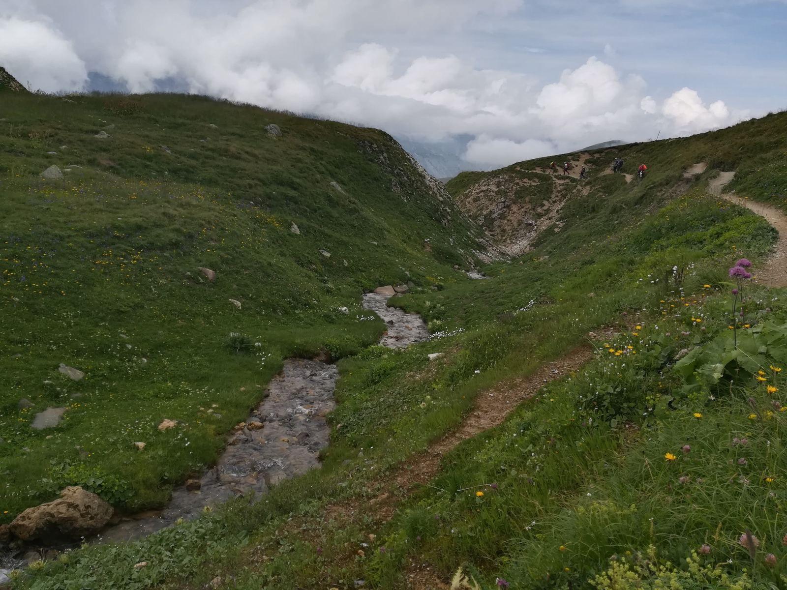 Retour vers le Col de la Croix de Fer pour terminer cette journée.