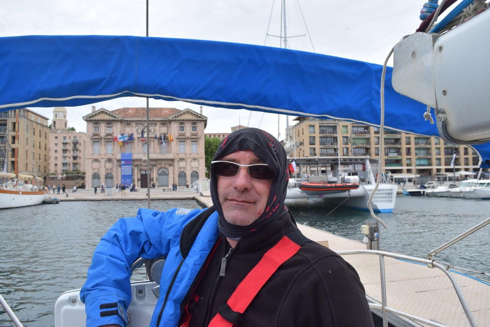 au cœur de Marseille il fait bon mais dehors c'est pas pareil, Alain s'y prépare !