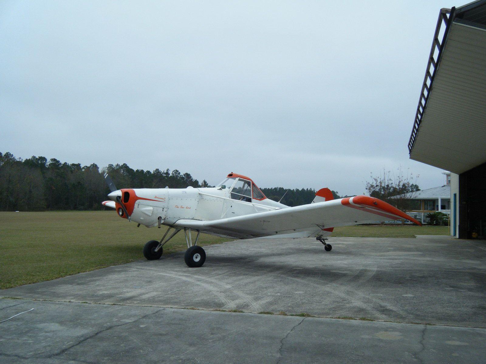 """Cet avion est un Piper Pawnee, un remorqueur pour mettre les """"gliders"""" en l'air !"""