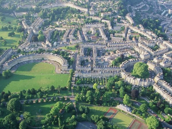 Bath vu du ciel (source internet)