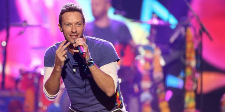 coldplay, clip, everglow, mohamed ali, gwyneth paltrow