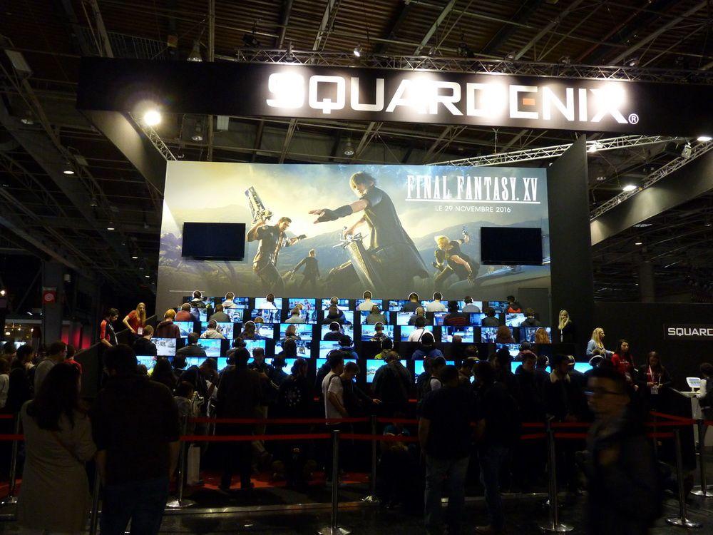 Le sobre et imposant stand Square Enix