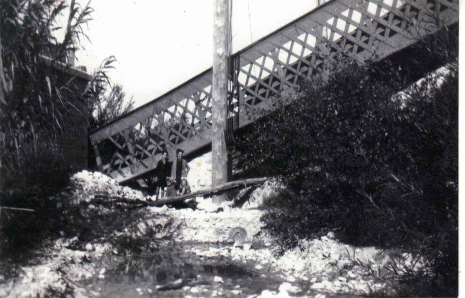 Le Pont de la Coronne détruit par les allemands lors de leur déroute