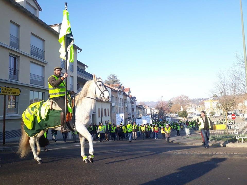 En province, les manifestations de Gilets jaunes ont indéniablement de l'allure…