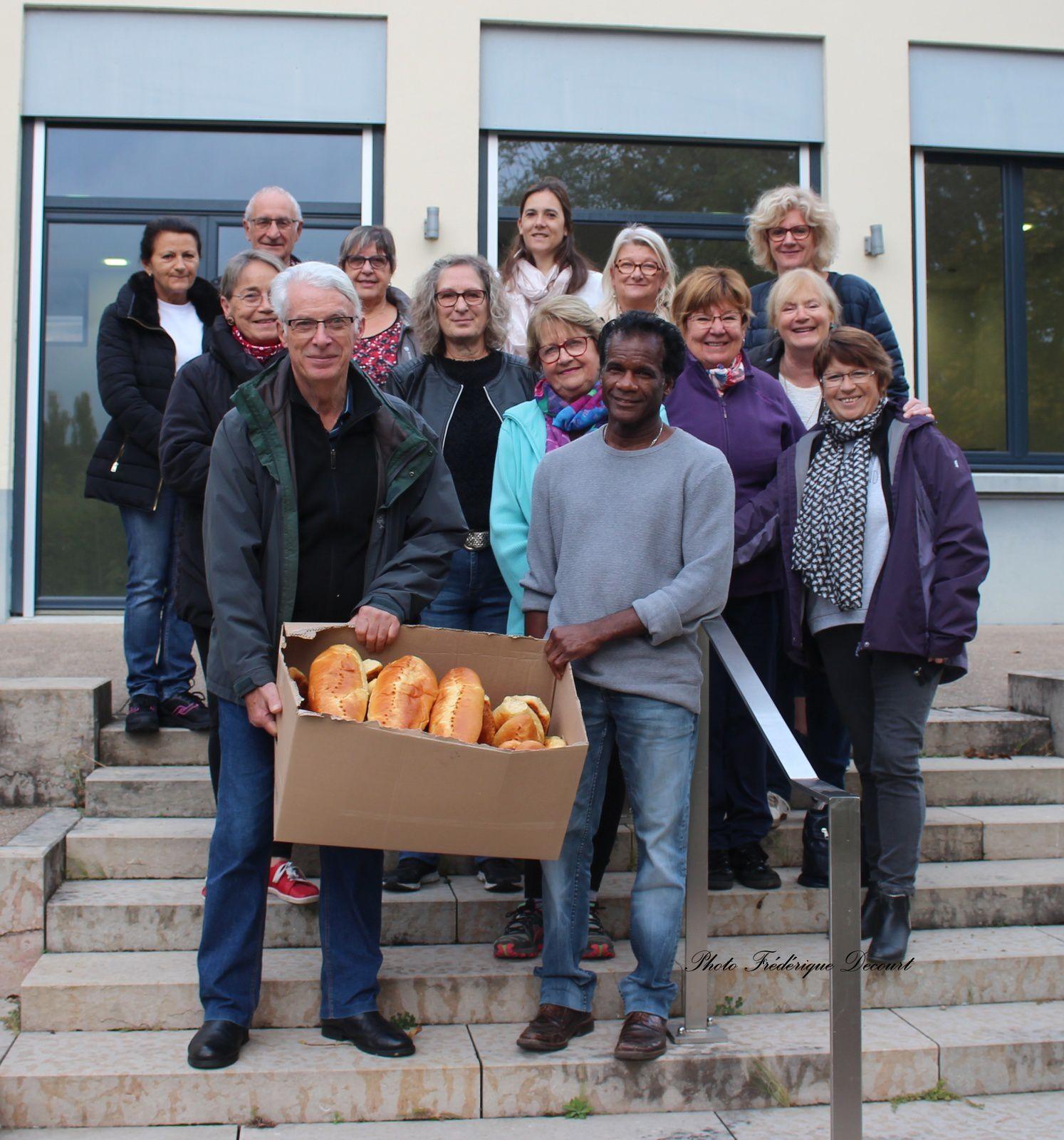 Vente de brioches au profit de l'association Espoir Isère contre le Cancer.