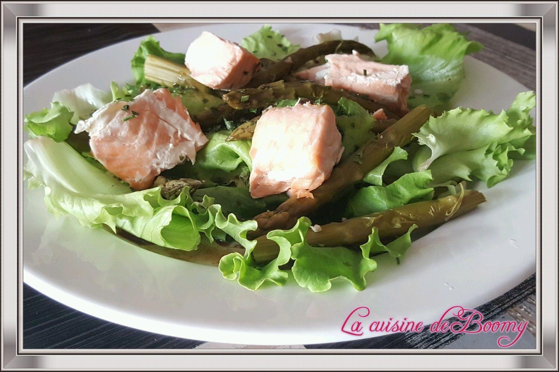 Salade verte aux asperges vertes et au saumon