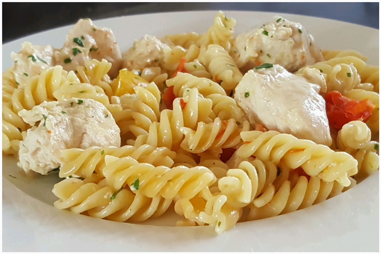 Émincé de poulet et ses pâtes aux poivrons (Cookeo)