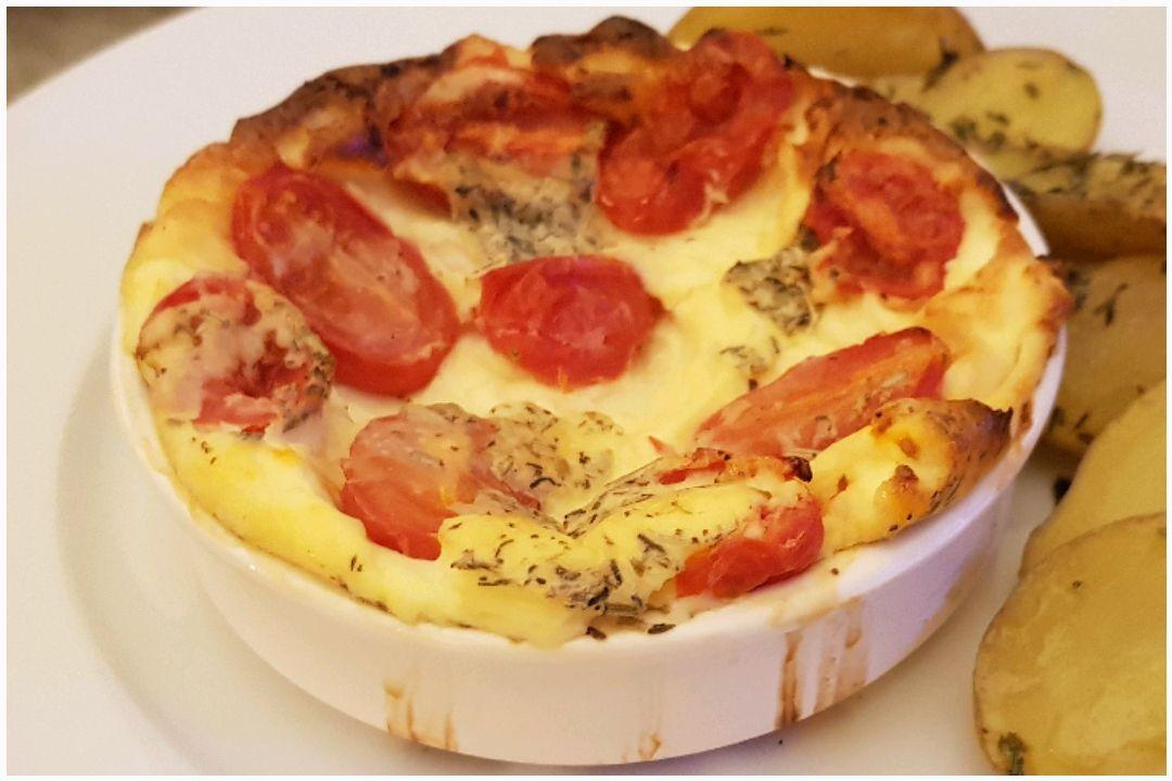 Clafoutis aux tomates cerises et fromage de chèvre frais