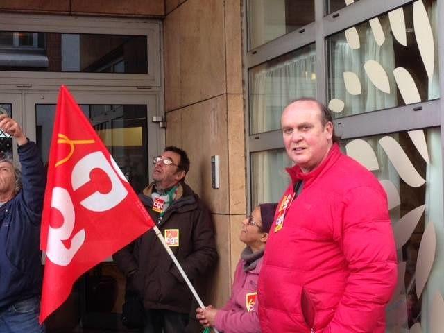 Rassemblement devant KORIAN MONCEAU dans le 17ème Lundi 2 mars 2015 pour la défense de notre camarade Fatima, DS CGT.