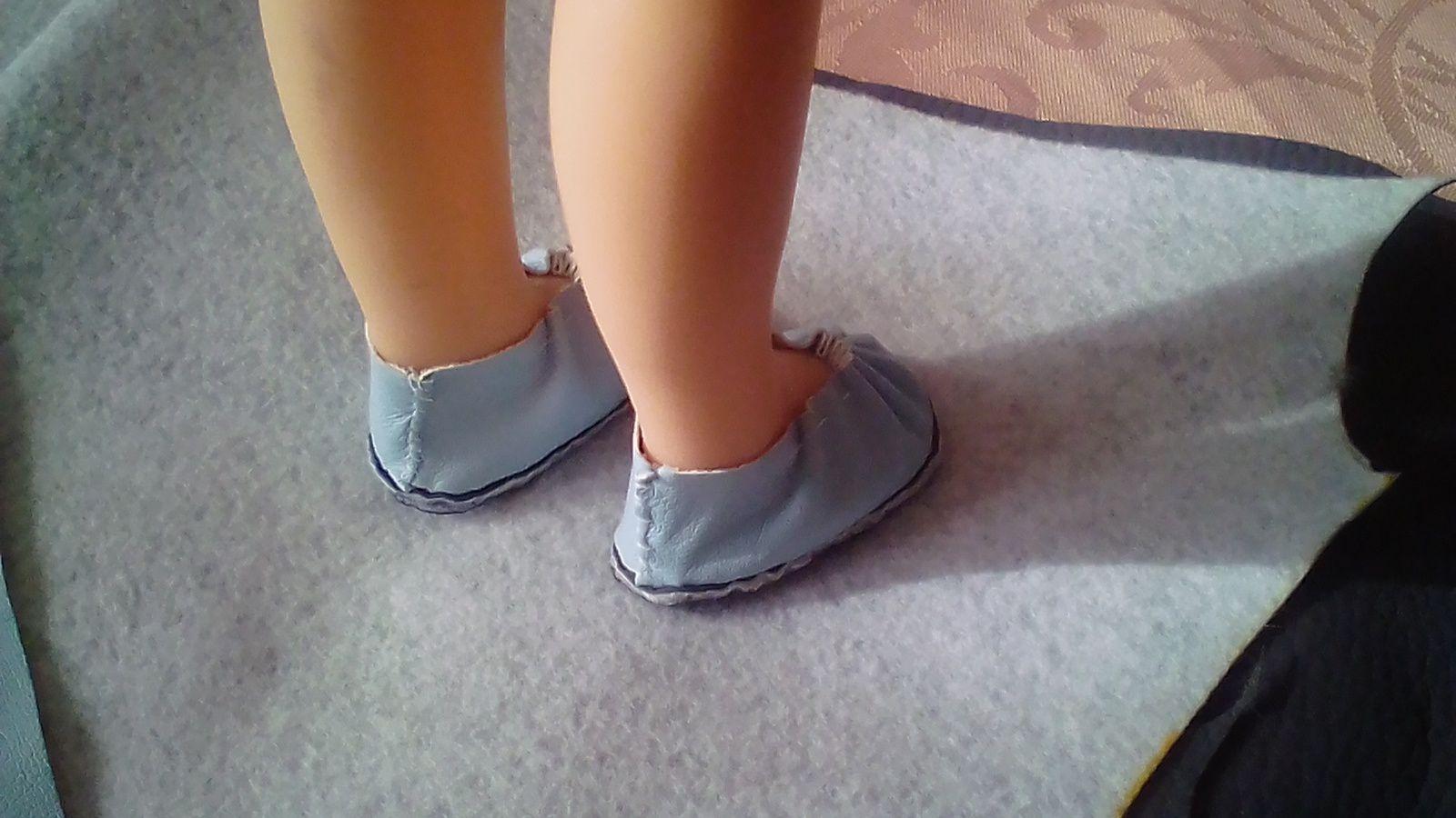 tuto gratuit poupées : souliers plissés