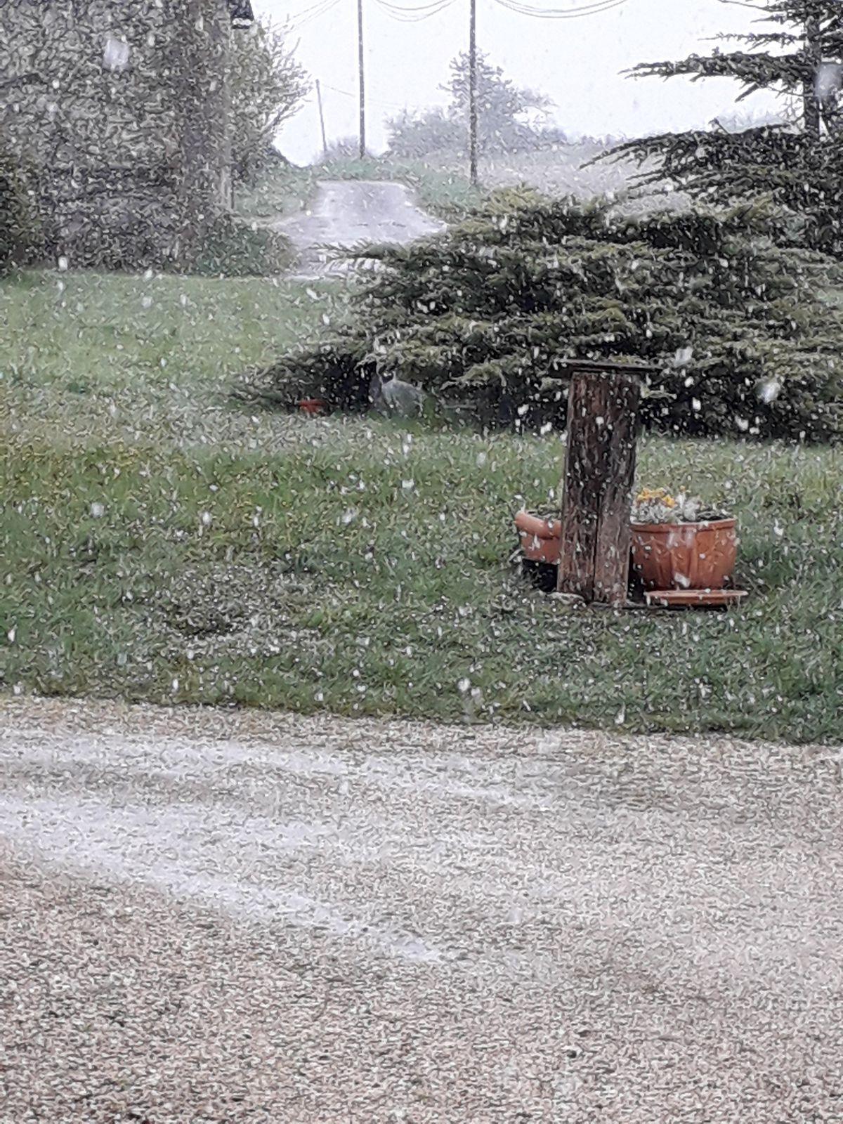 Hier il neigeait et faisait froid, et aujourd'hui il fait beau et doux, bonne symbolique non ???