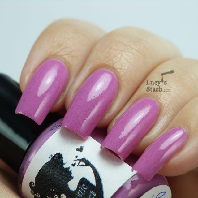 Lucy's Stash - Portfolio Pink nail polish