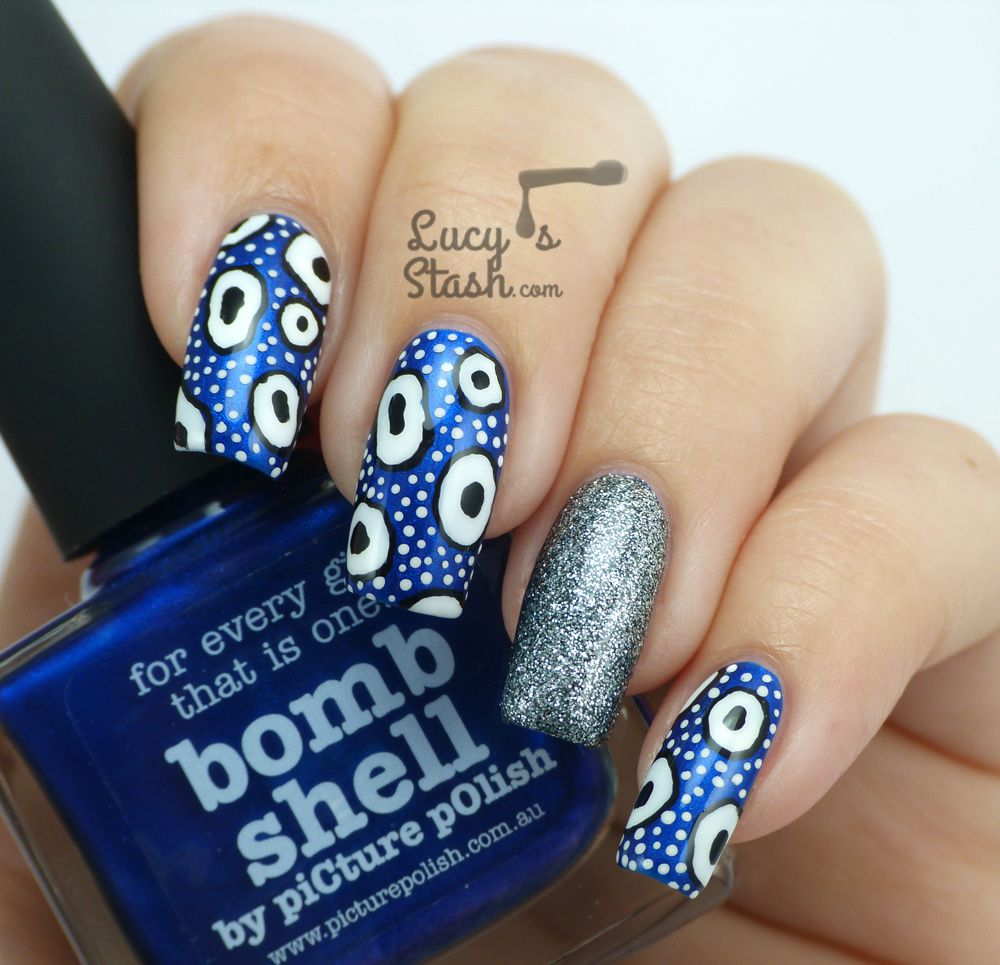 piCture pOlish Monday: Patterned Nail Art Design feat. Bomb Shell and Heavy Metal