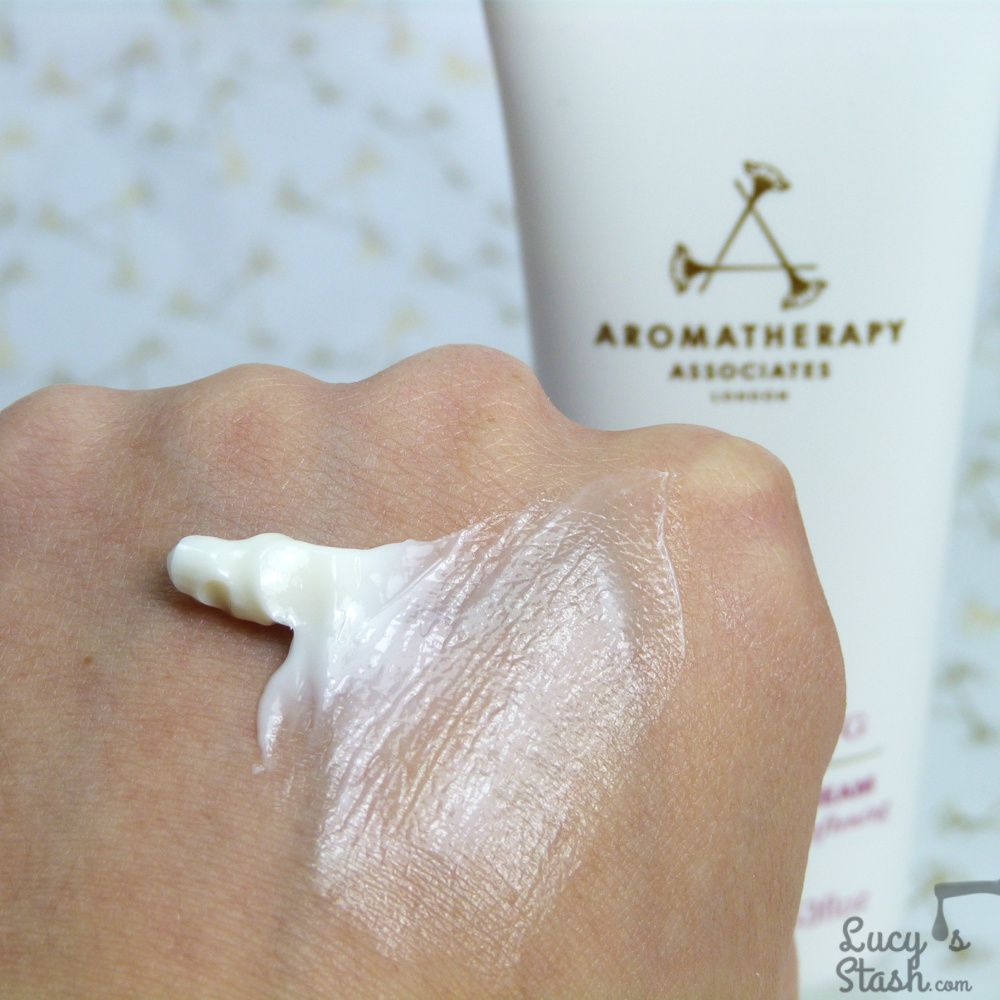 Review: Aromatherapy Associates Renewing Rose Hand Cream & The Weekender Set