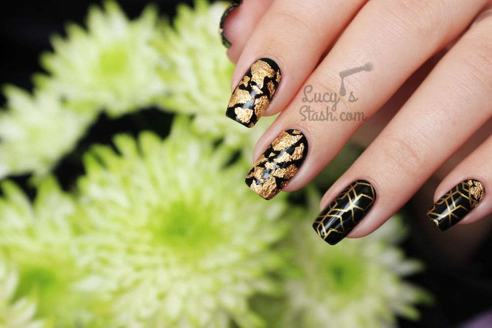 Going for gold! Autumnal gold & green nail art manicure