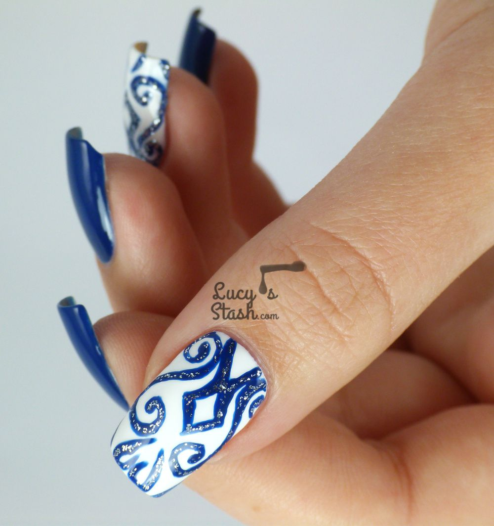 Nail Design for New Years Eve Party: Match your nails & dress!