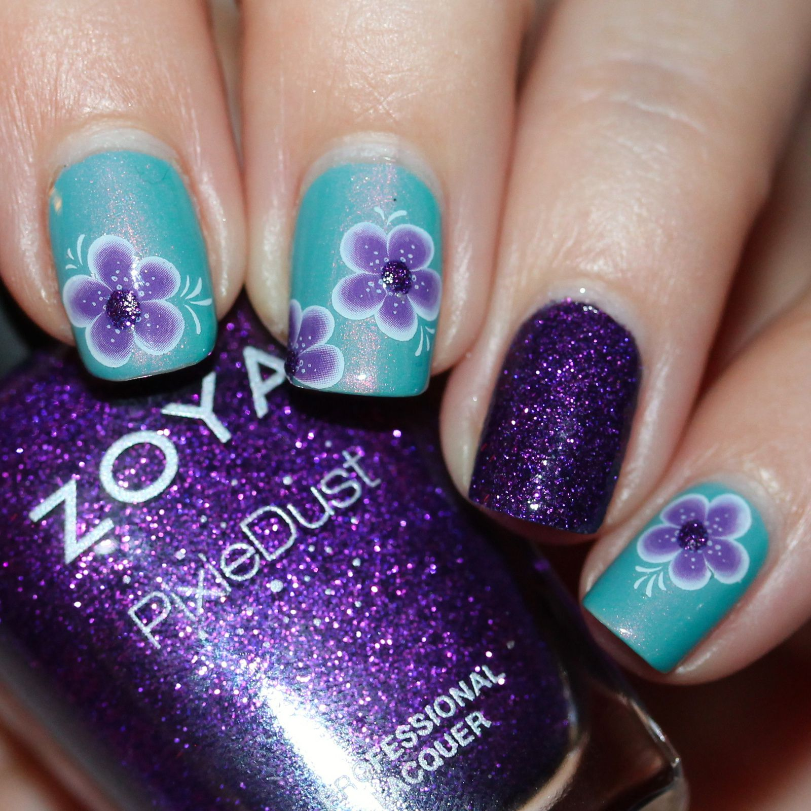 Sally Hansen Complete Care 4-in-1 Extra Moisturizing Nail Treatment / Enchanted Polish July 2016 / Water décal collection Tartofraises Y140C / Zoya Carter (accent nail) / Poshe Top Coat