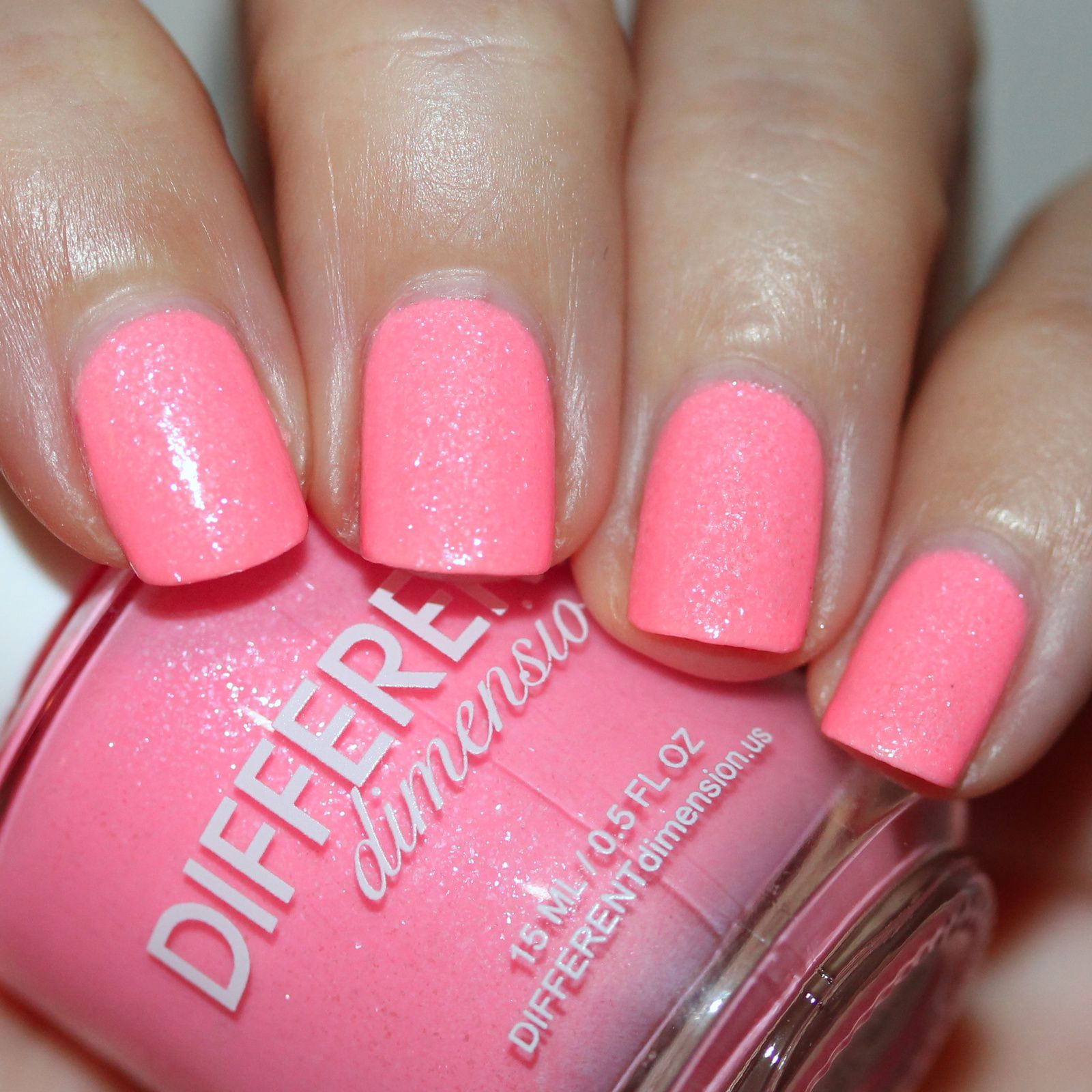 Sally Hansen Complete Care 4-in-1 Extra Moisturizing Nail Treatment / Different Dimension Give Me Love / HK Girl Top Coat