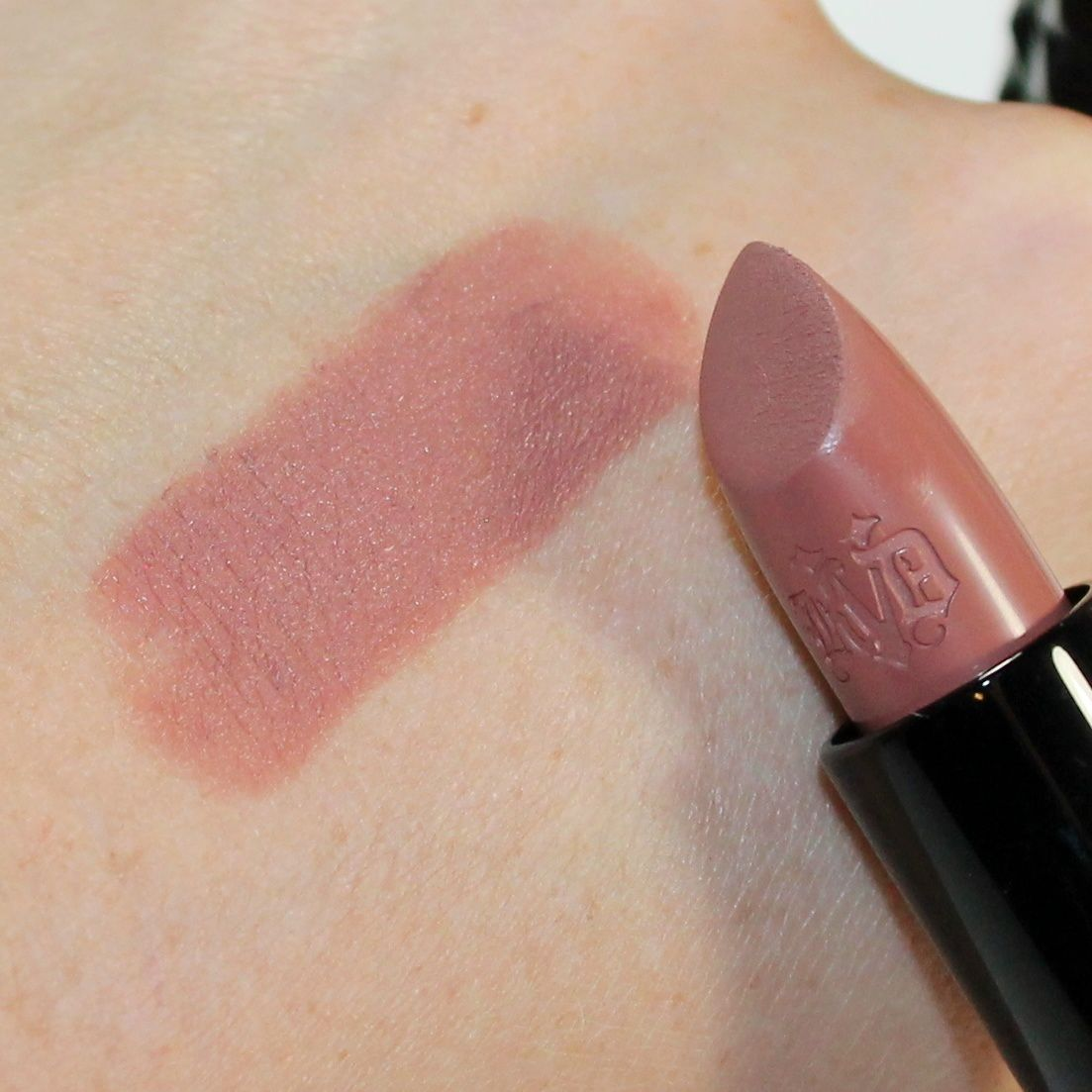 Kat Von D Beauty - Studded Kiss Crème Lipstick in Bow N Arrow