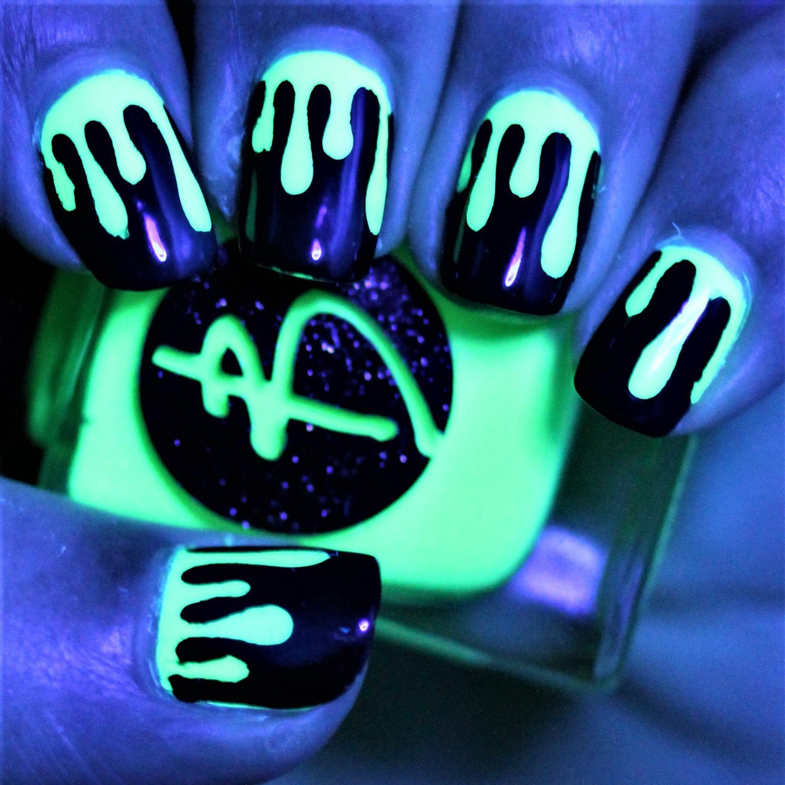 Essie Protein Base Coat / Bliss Polish Crazy in Cancun / Slime Drips Stencils from Whats Up Nails / Cult Nails Nevermore / HK Girl Top Coat