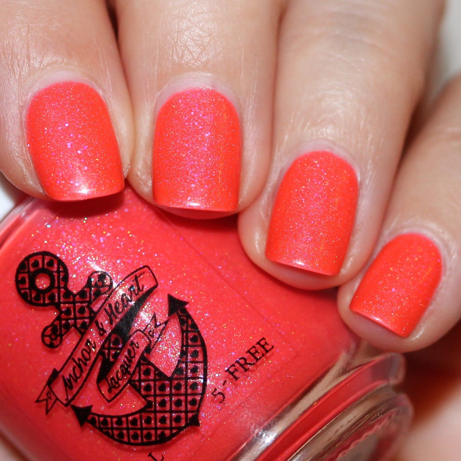 Essie Protein Base Coat / Anchor & Heart Lacquer Vacation Land / HK Girl Top Coat