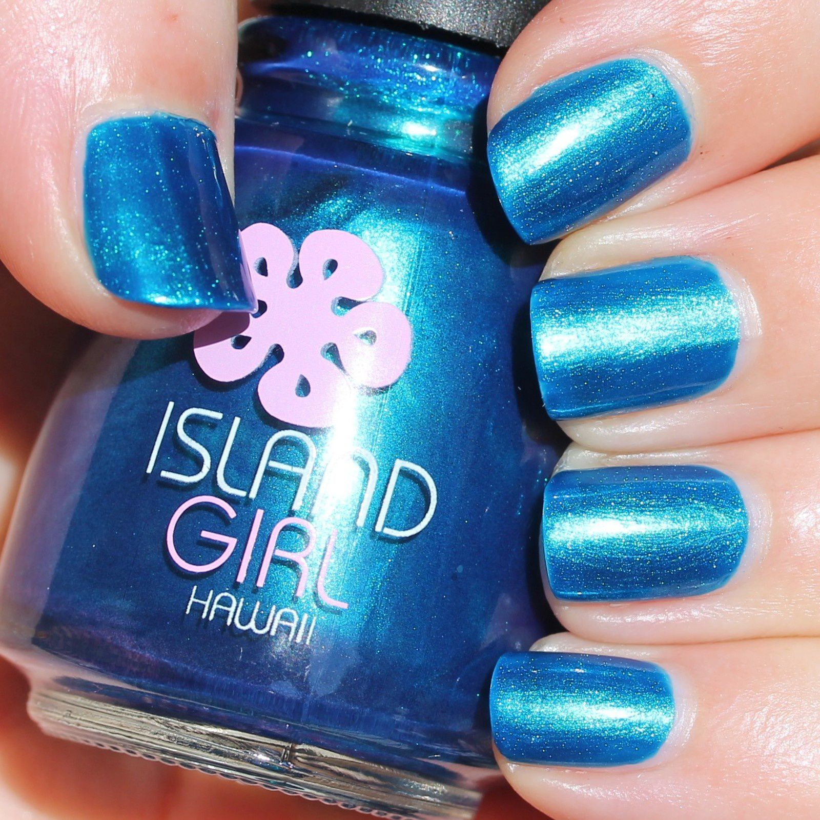 Essie Fill The Gap Base Coat / Island Girl Kona Coast / HK Girl Top Coat