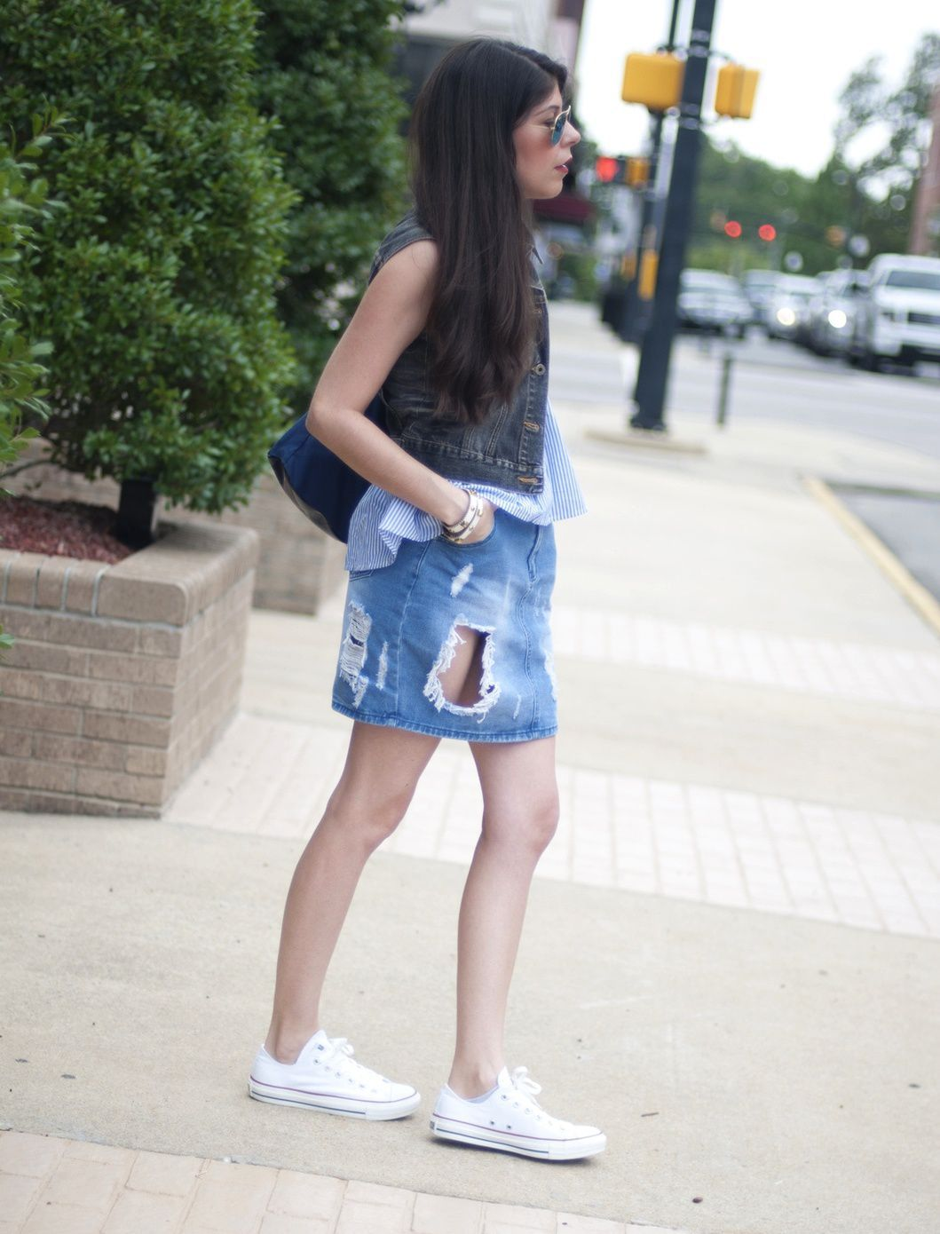 RIPPED DENIM REVAMP = OUTFITS