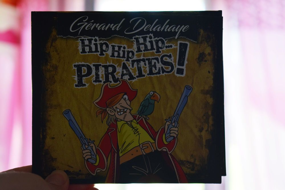HIP HIP HIP ... PIRATES !