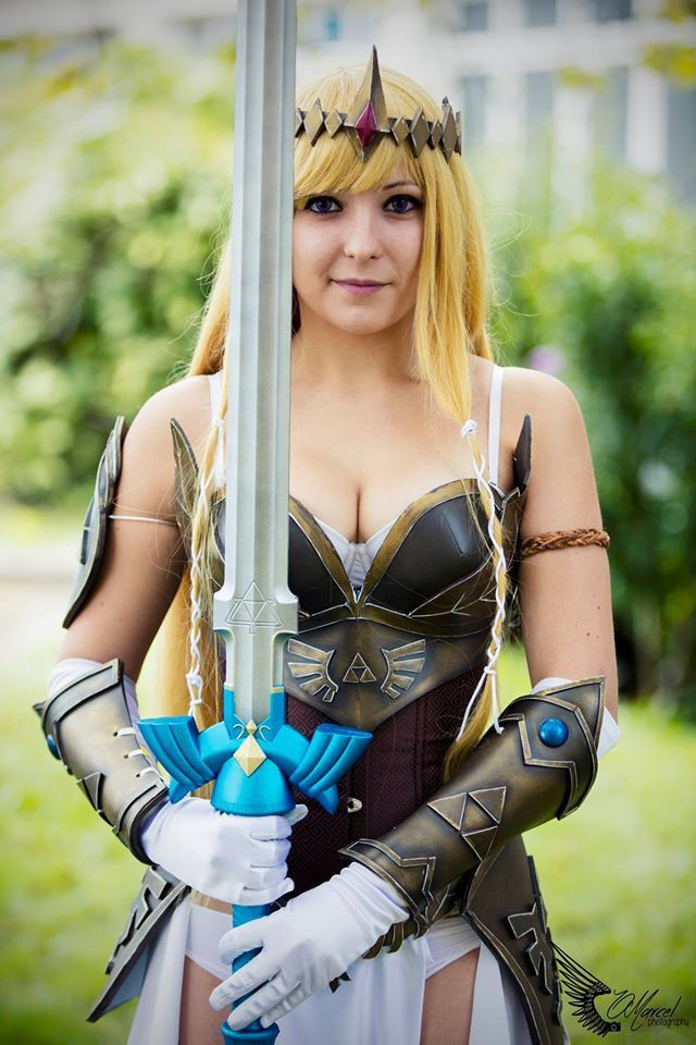 [M.A.J] Portrait d'une cosplayeuse : @_Dragunova