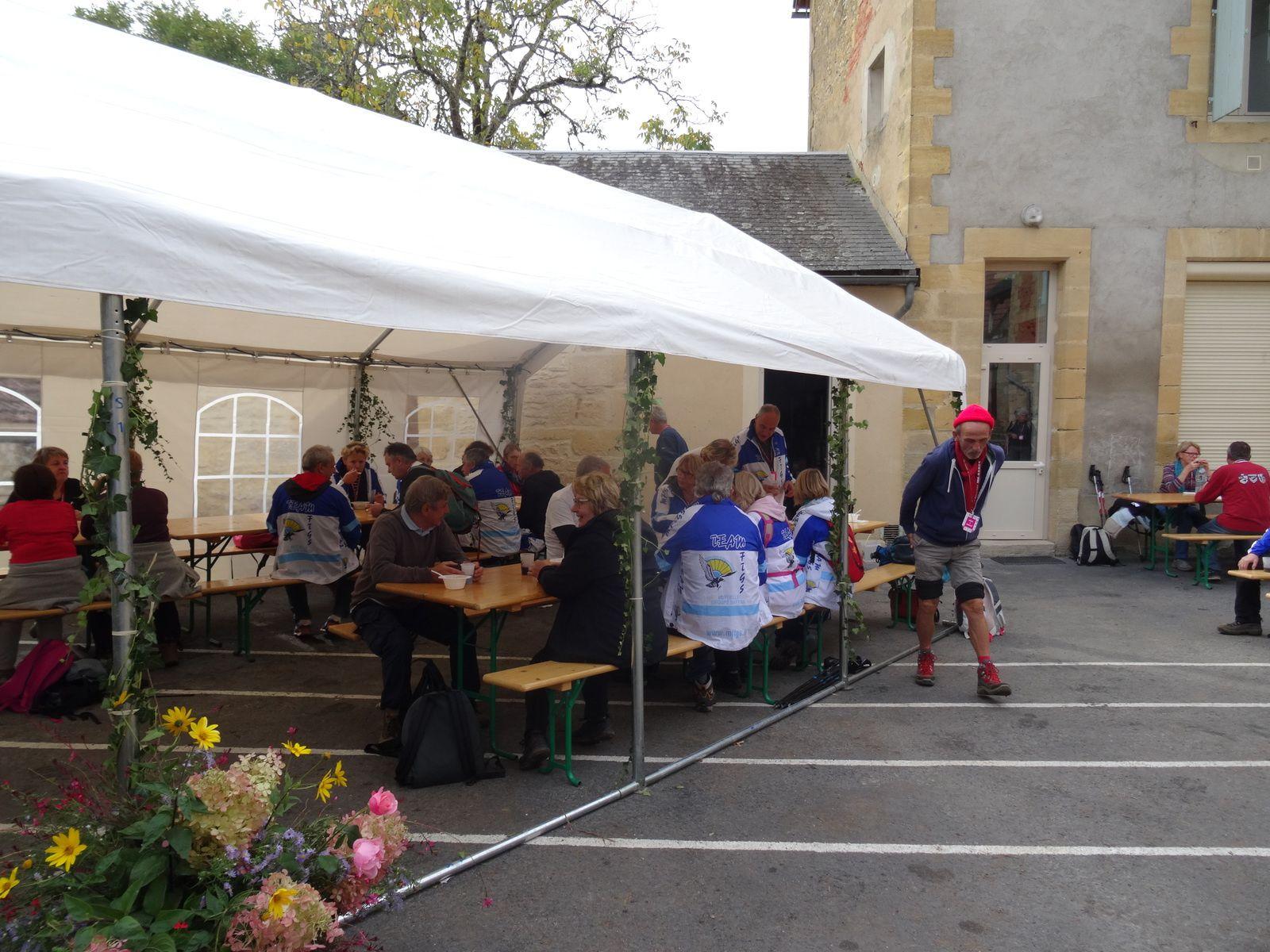 5ème étape de Carlux à Calviac en Périgord, puis 6ème étape avec le repas à Simeyrols