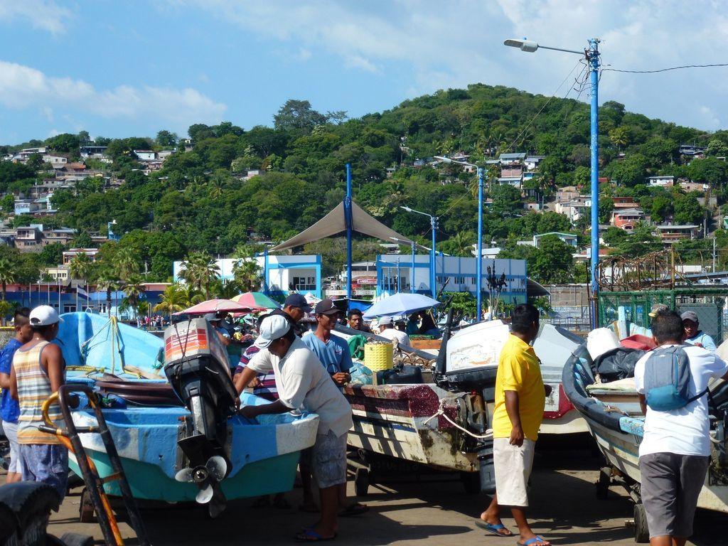 Chez les pêcheurs de Puerto La Libertad