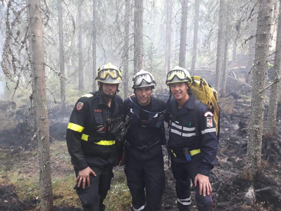 Suède - Moral toujours au beau fixe pour les 13 pompiers des Bouches-du-Rhône en renfort