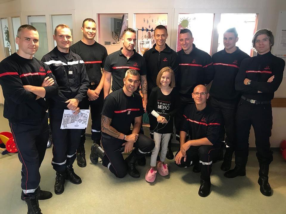 Une rencontre pleine d'émotion pour les sapeurs-pompiers de Lille Littré et la petite Chloé
