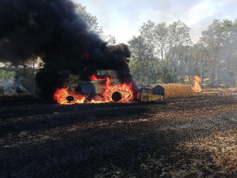 Le Chauchet (23) - Les pompiers appelés pour un feu de moissonneuse-batteuse