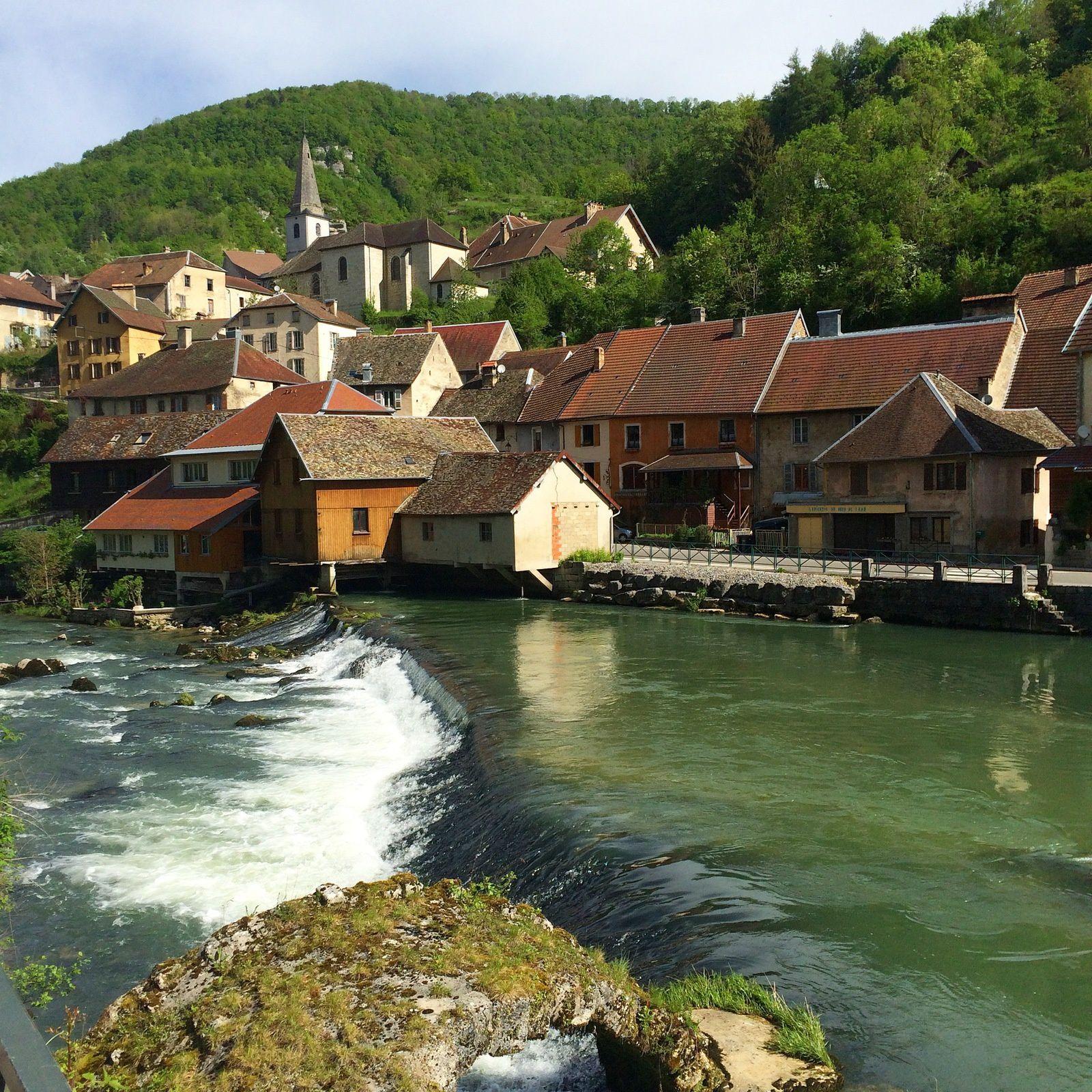 Lods, classé parmi les plus beaux villages de France