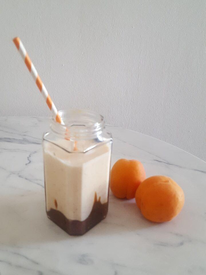 Milkshake abricot caramel