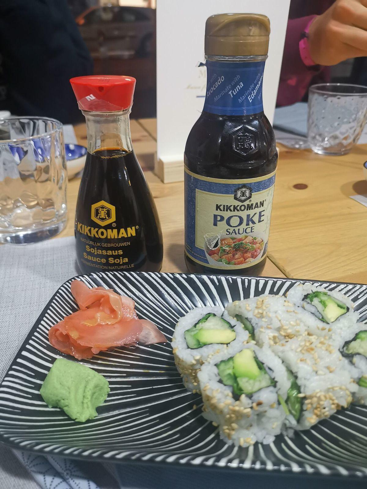 Sushis et nouilles