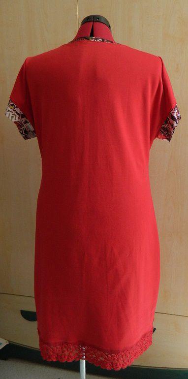 et enfin la robe vue de dos