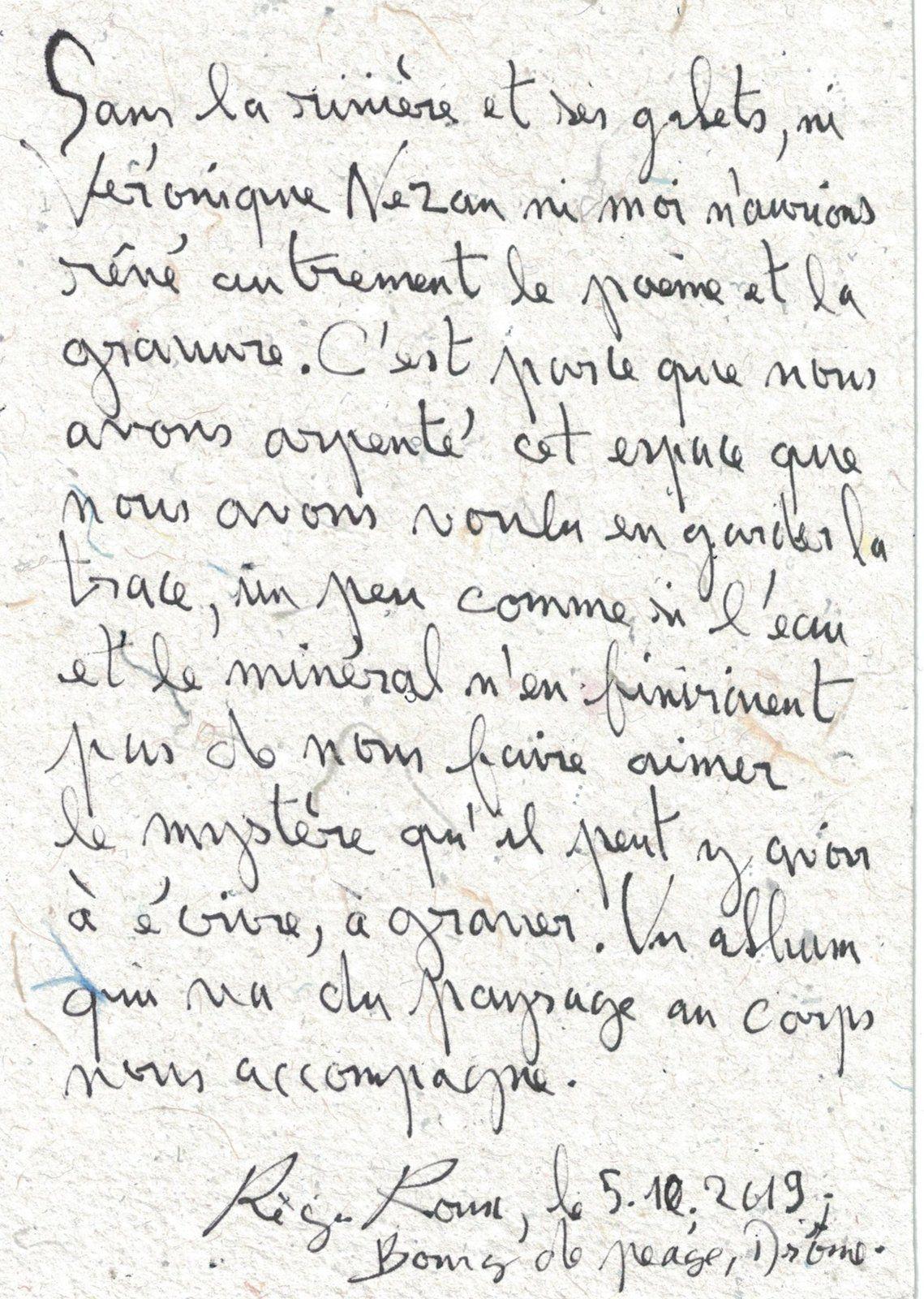 NID BLEU DES GALETS (pages et détails). En deça. Texte de présentation de Frédéric Dupuy.