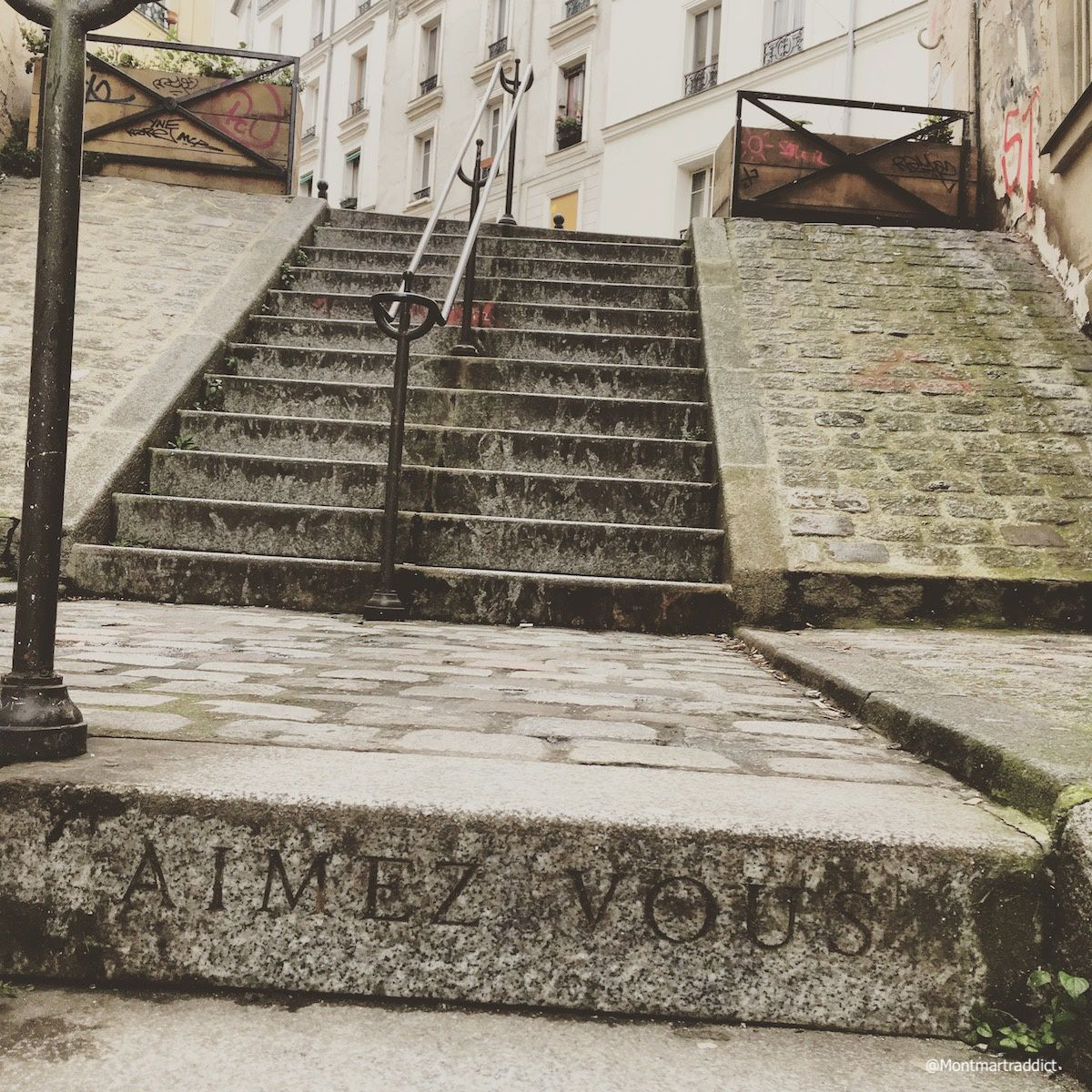 03. Love is in the stairs, Montmartre 75018