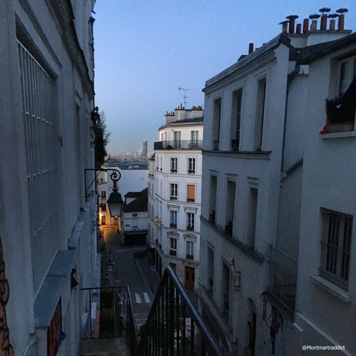04. Early morning in Montmartre, 75018