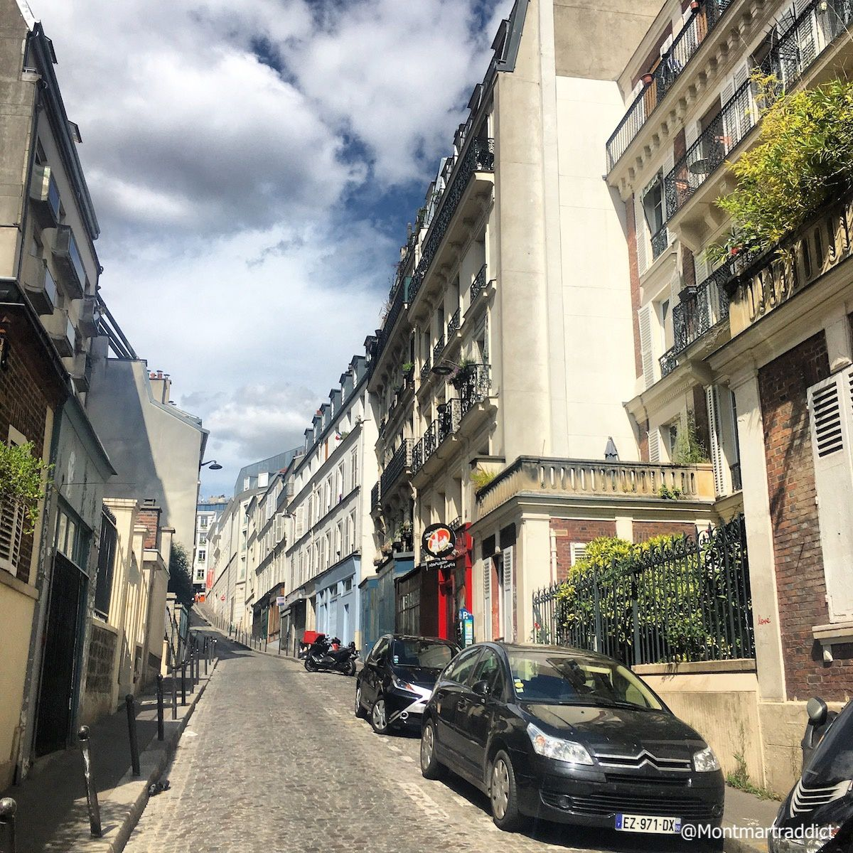 01. Back to Montmartre, 75018