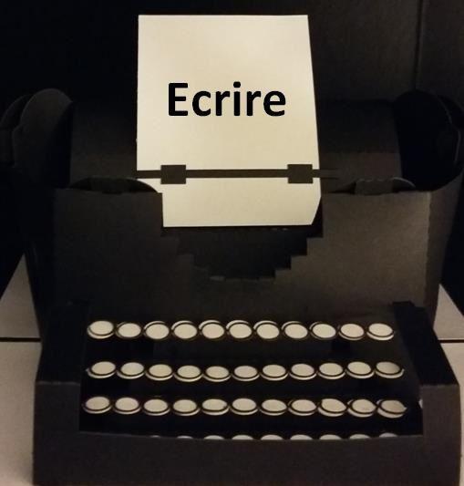 Ceci n'est pas une machine à écrire... ceci est une carte Pop-Up