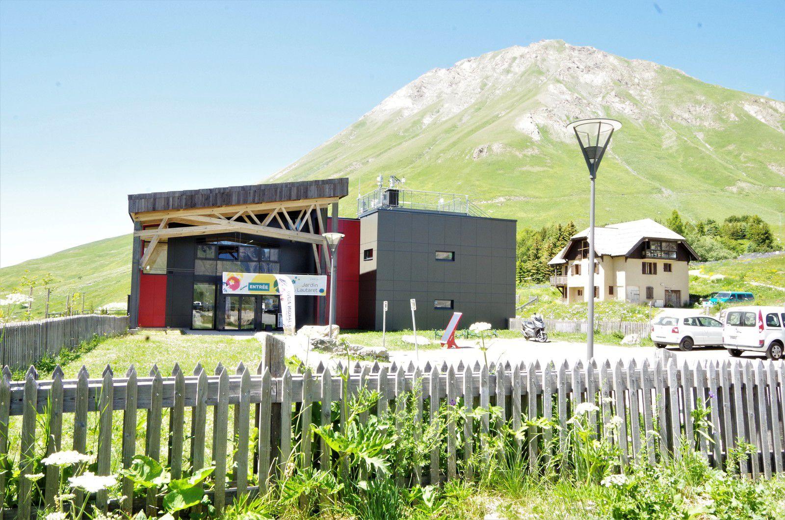 L'entrée du Jardin alpin du Lautaret