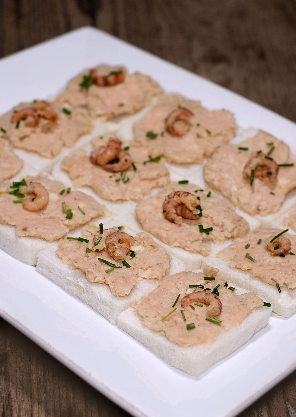 Toasts au beurre de crevettes grises
