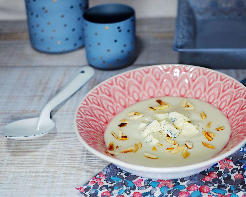 Velouté de topinambours aux amandes grillées et fromage persillé (+ recette bonus apéro)
