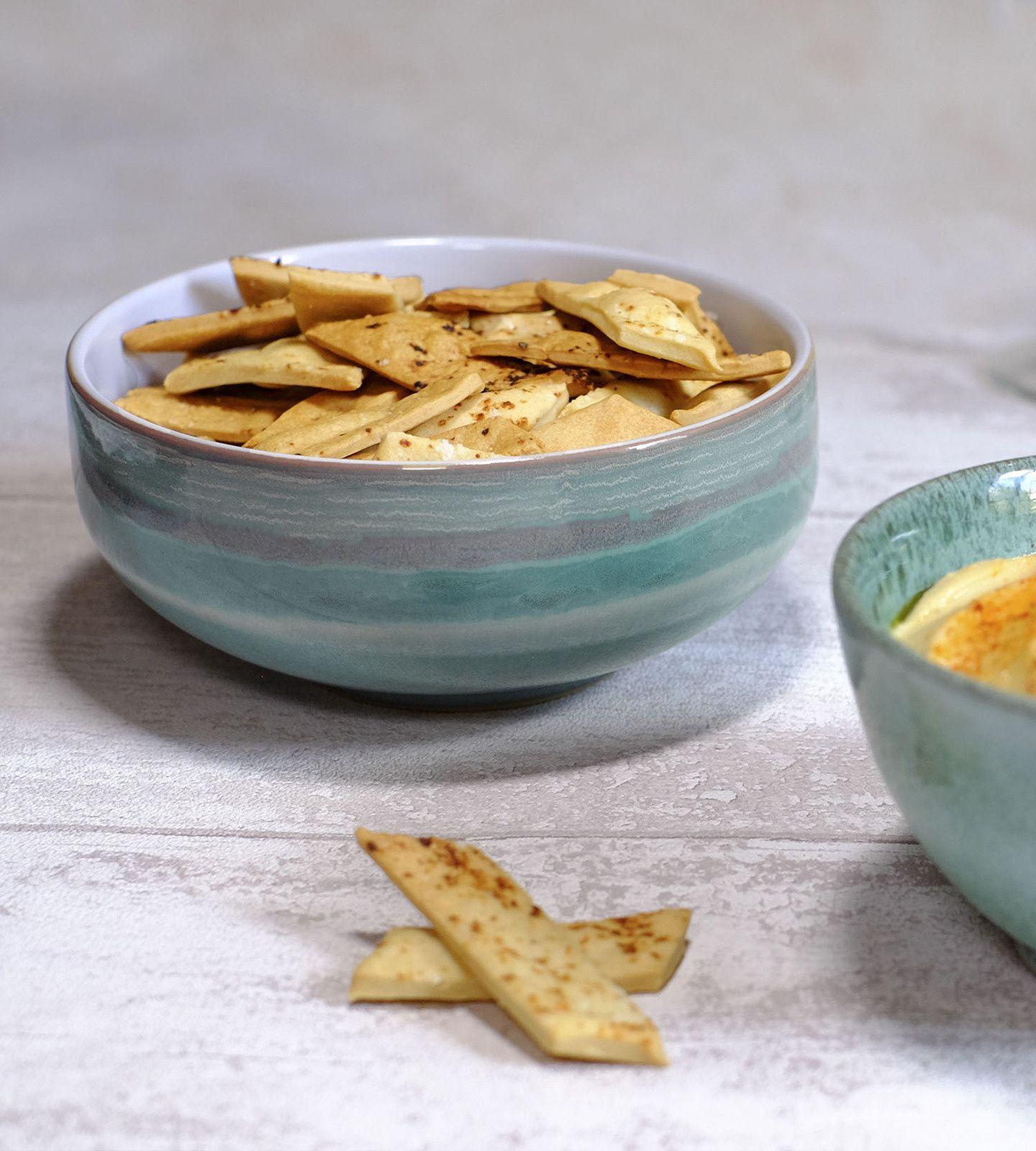Tartinade : crème de haricots tarbais (comme un houmous) et crackers à l'huile d'olive