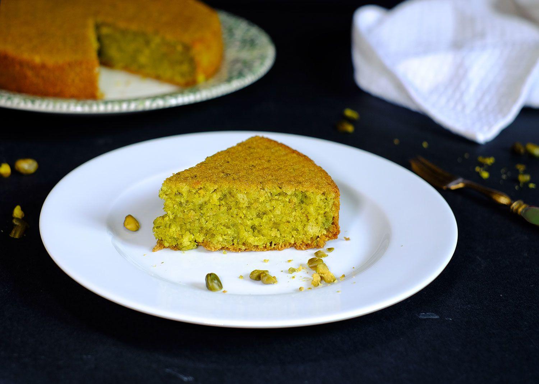 Gâteau italien au pain et aux pistaches