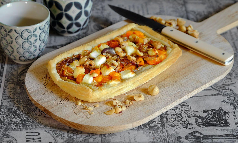 Feuilletés aux carottes, oignons caramélisés au miel, chèvre et noisettes