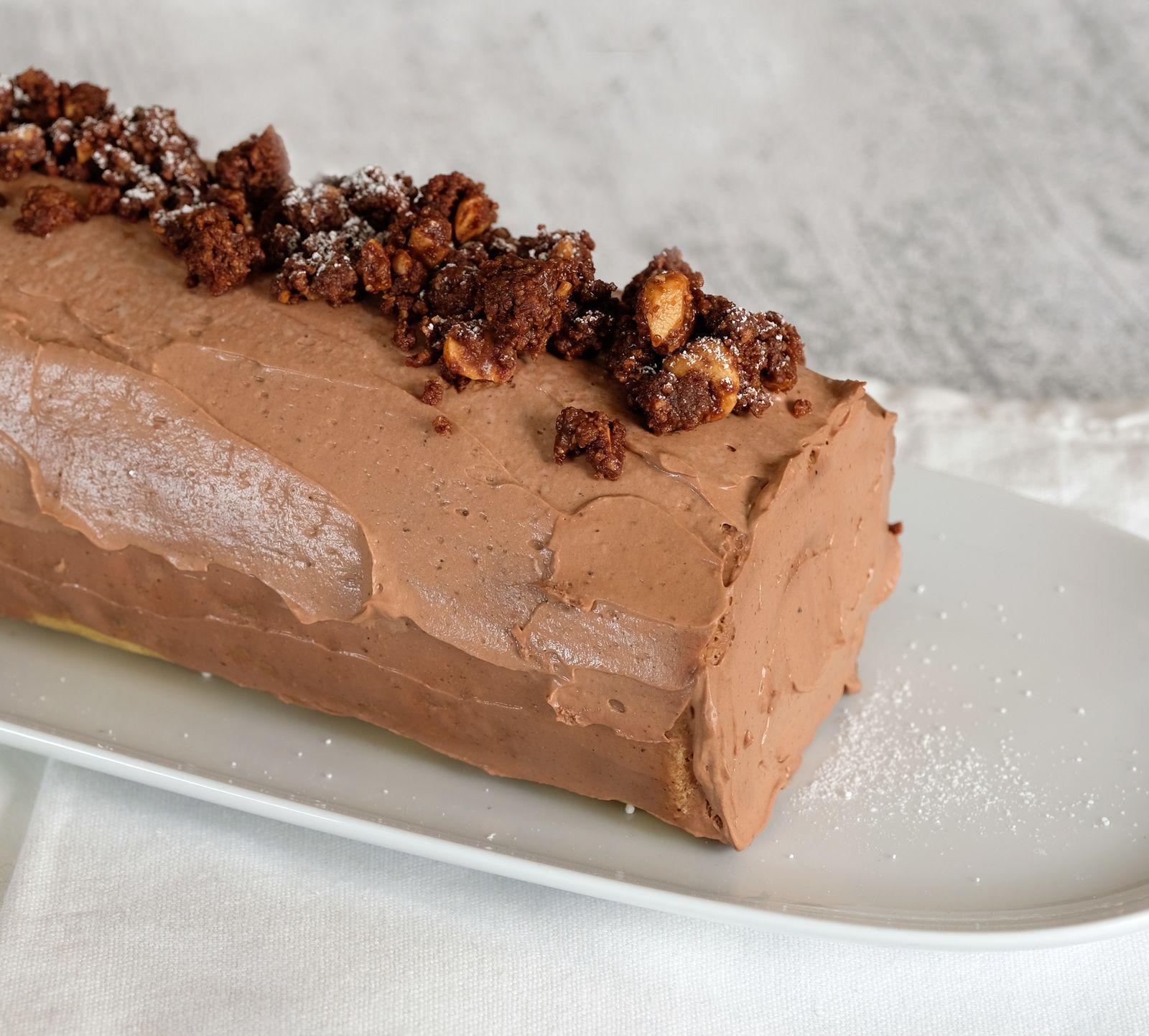 Biscuit roulé (bûche) chocolat noisette (Philippe Conticini)